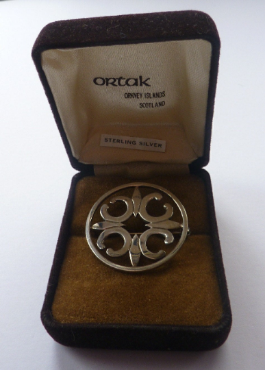 Beautiful Large Vintage 1970s Hallmarked Silver Scottish ORTAK Brooch by Malcolm Gray. In Original Box