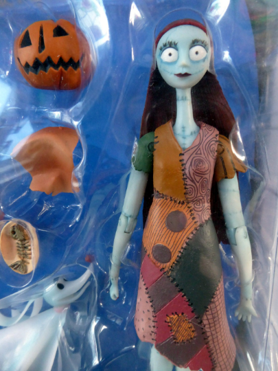 Tim Burton's Night Before Christmas . Jack and Sally Figures