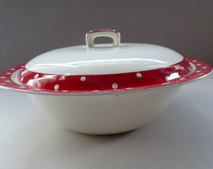 1950s RED DOMINO Midwinter Lidded Serving Dish or Tureen. Designed by Jessie Tait