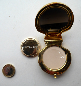 Adorable ESTEE LAUDER Miniature Pressed Powder Compact. A Rarer Shell Design Set with Swarovski Crystals. Excellent unused condition