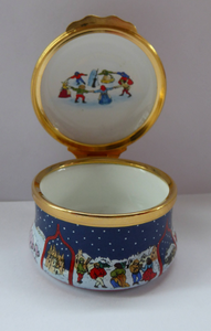 Vintage Halcyon Days Enamels Christmas Box 1993. Medieval Carol Singers. Excellent Condition