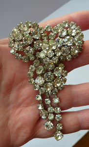 LARGE Vintage 1950s Diamante Brooch or Pin with Raised Centrepiece. A beautiful and most unusual example
