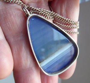 Very Stylish SCOTTISH SILVER & Agate Pendant. Probably by Ortak with Edinburgh Hallmark 1973