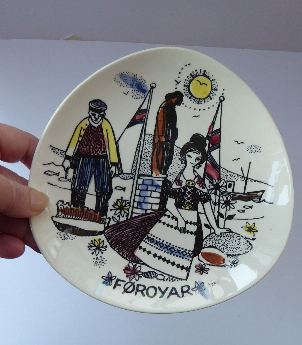 Rare Vintage FOROYAR or FAROE ISLANDS Decorative Plate.  Fisherman and Fishwife. 7 inches