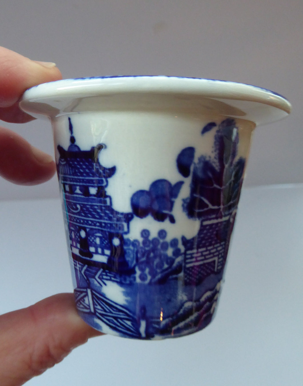 RARE 1920s ROYAL DOULTON Miniature Meat Pot. Flow Blue with Traditional Willow Pattern