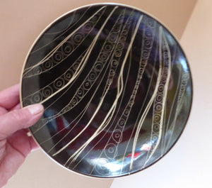 1950s ARABIA, FINLAND. Shallow Bowl with Space Age Sgrafitto Design