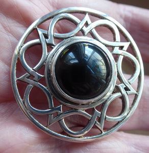 SCOTTISH SILVER Brooch. Stylish Geometric Design with Central Onyx or Dark Agate Stone. EDINBURGH Hallmark