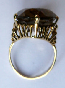 1970s Vintage 9ct Gold Ring with Decorative Shoulders and Stone Setting. UK Size S with LARGE Oval Faceted Citrine Stone