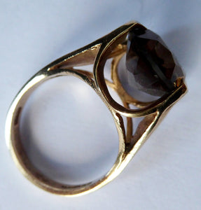 1970s Vintage 9ct Gold Ring with Decorative Shoulders and Stone Setting. UK Size P with LARGE Oval Faceted Smoky Quartz Stone