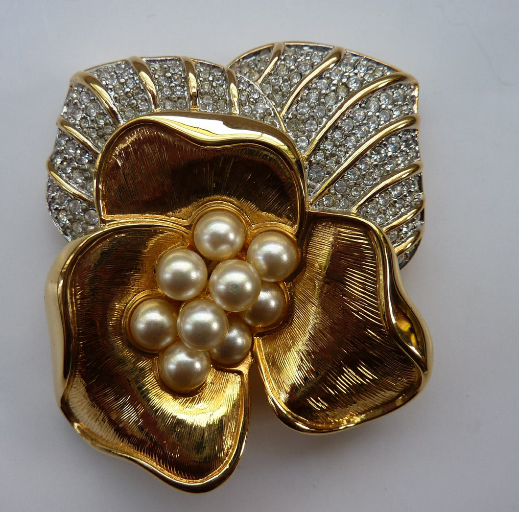 Gold Plated SWAROVSKI Crystal and Pearl Floral Brooch. Stunning larger size. BOXED with Certificate