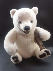 Gorgeous R. John Wright NIPPY BABY BEAR Limited Edition Polar Bear No. 294 / 500. In original box, with tag & pristine