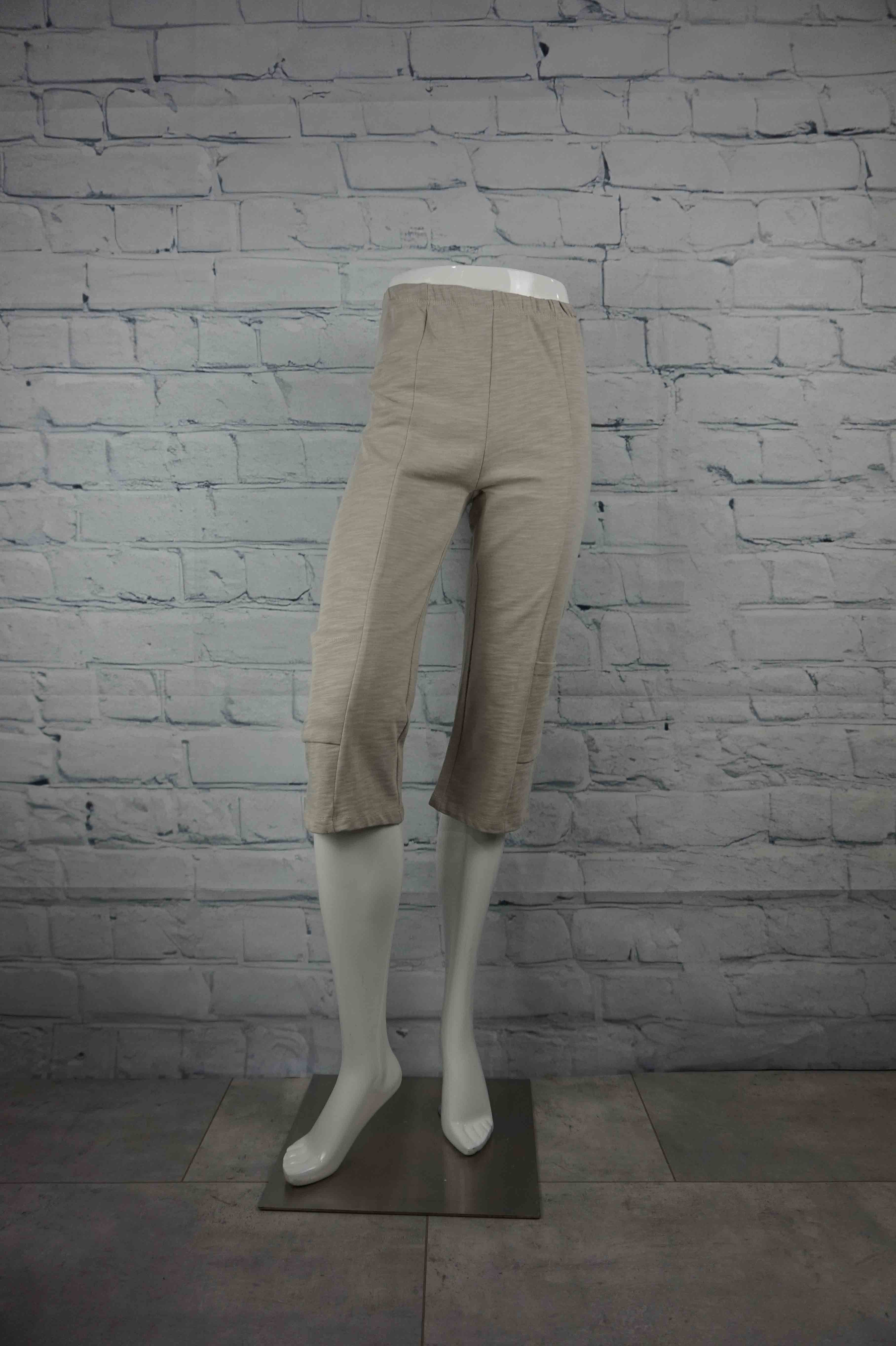 Petticoat Lane Pocket Capri - Beige