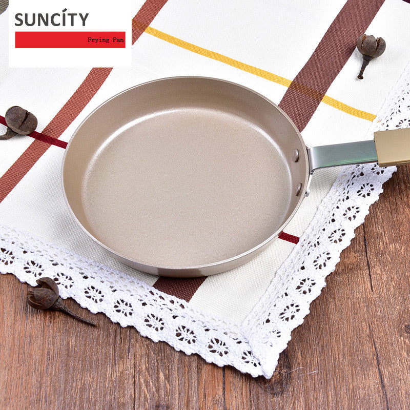 The Suncity Carbon Steel Pan - pickichen