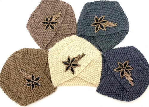 Antique Knit Hats with Beaded Flower (Shooting Star)