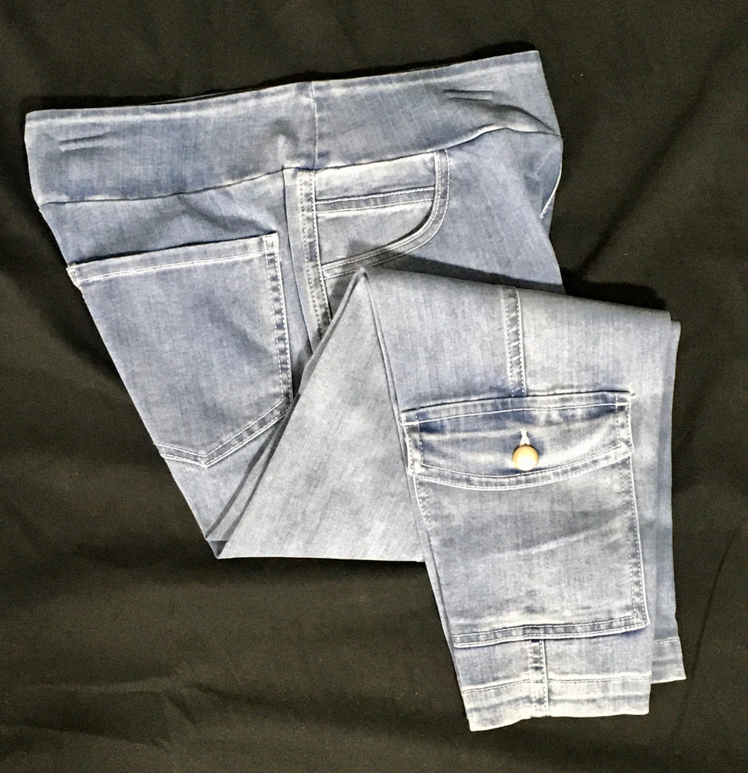 Jean capri with pocket accent