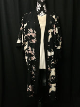 Load image into Gallery viewer, Kimono in black