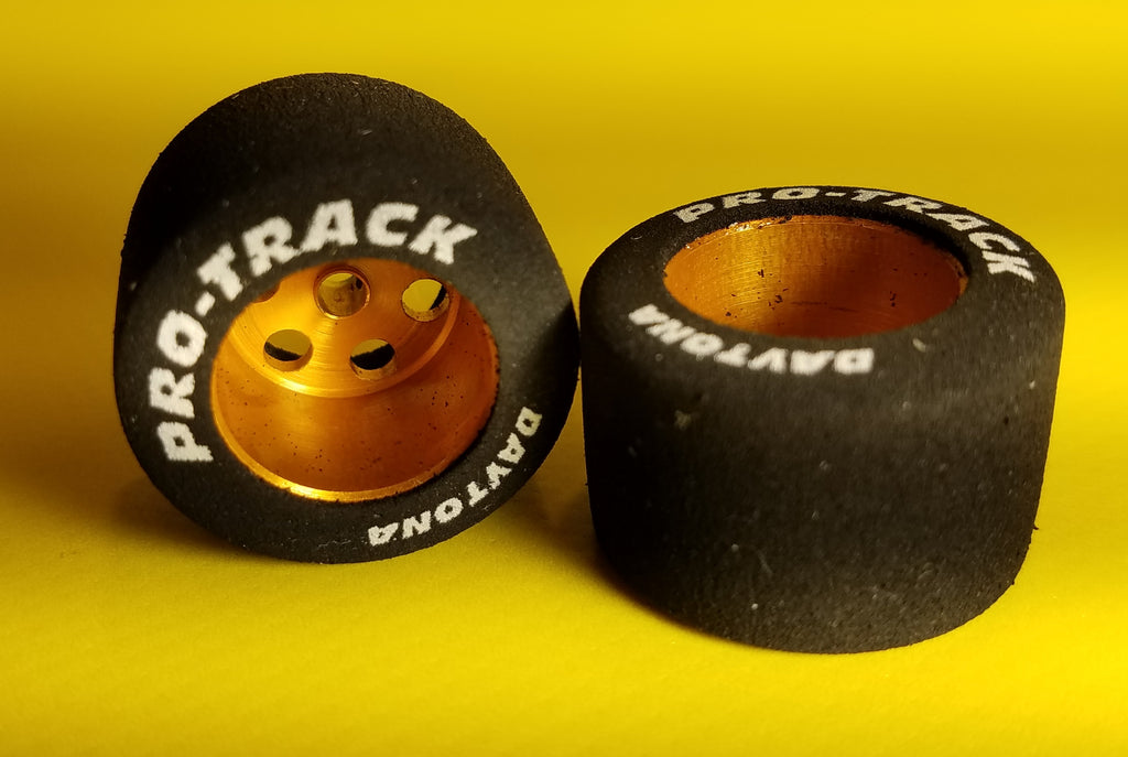 "PTMN320G Pro-Track Daytona Stockers 1/8"" x 27mm x 18mm Wheels, Gold"