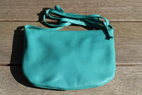 U-pouch - Long Strap - green