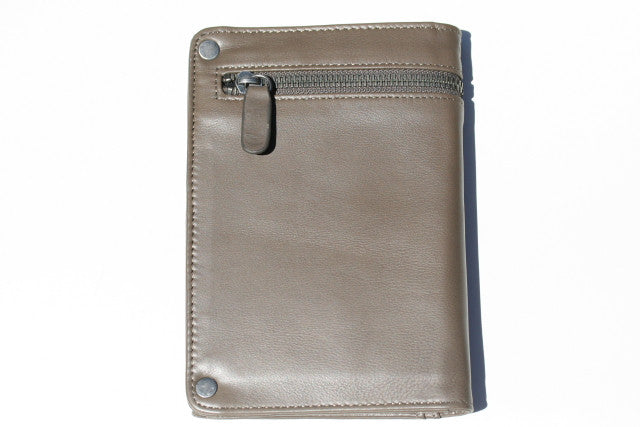 travel wallet - olive