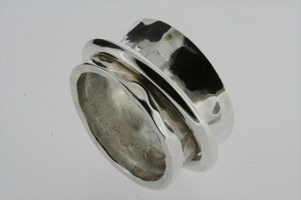 concave battered band with ring