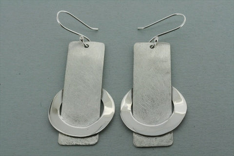 matte drop earring with circle