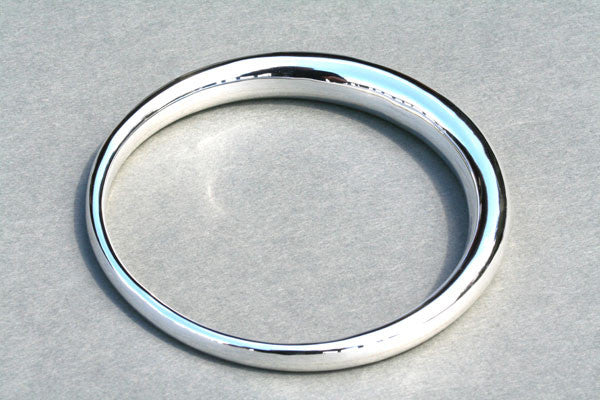 tapering tubular bangle