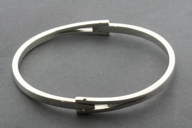 arrow hinge bangle