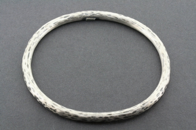 dalmation oval bangle