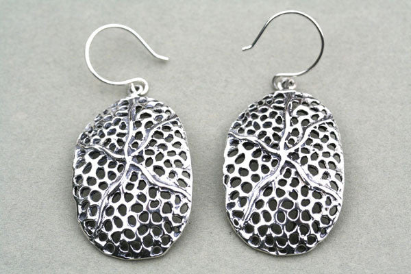 convex oval vein earring
