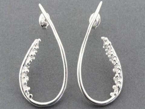 Beaded teardrop earring - silver