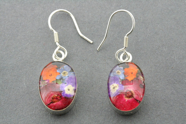 flower in resin earring - oval