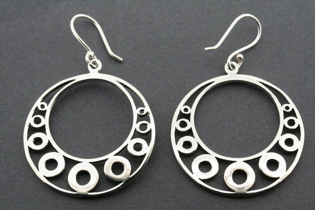 9 circle hoop earring