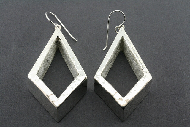 textured diamond drop earring