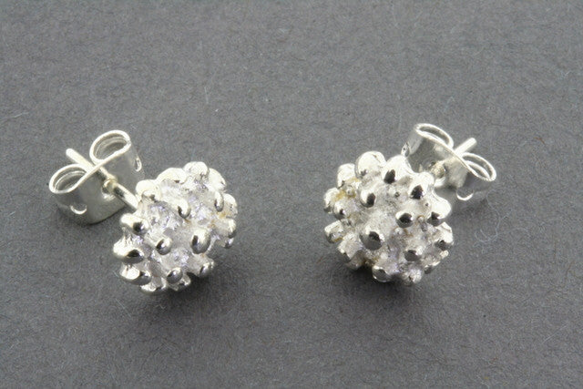 textured bead stud
