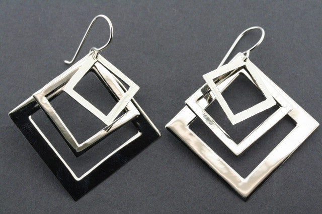 3 overlap diamond earring - sterling silver