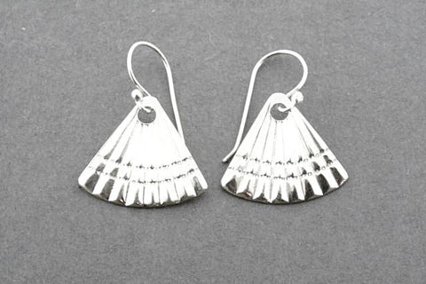fan shell earrings