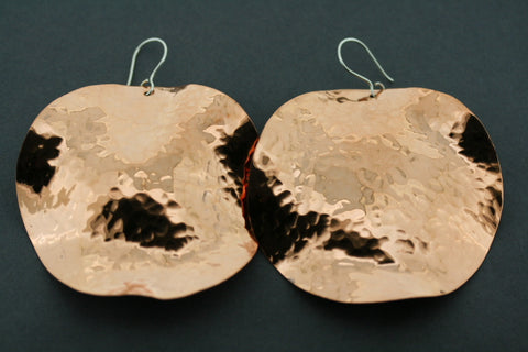 xl cirle wavy/battered copper earrings