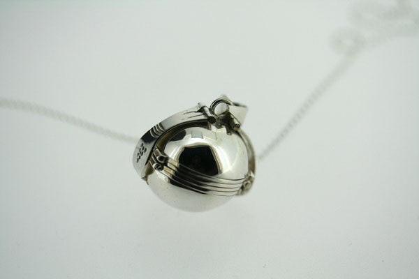 picture ball pendant - small on 55cm ball chain