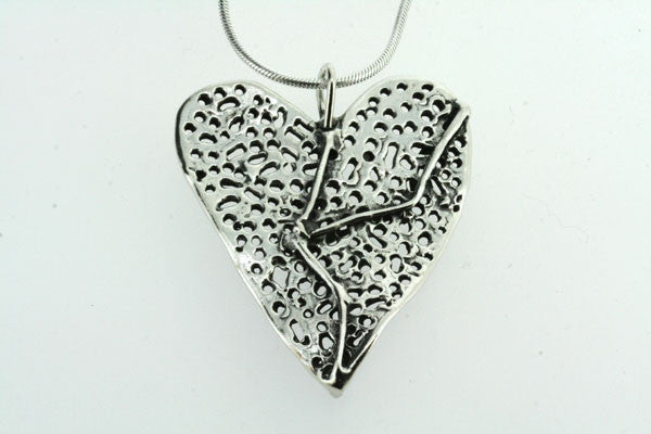 large detailed heart pendant on 70cm snake chain