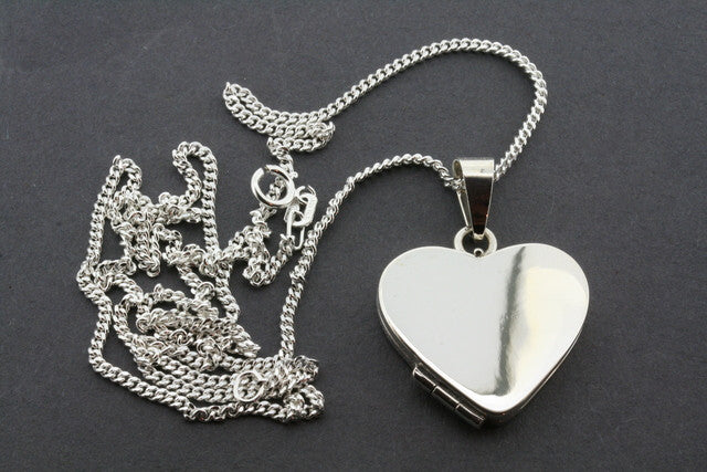 heart locket pendant on 60 cm link chain