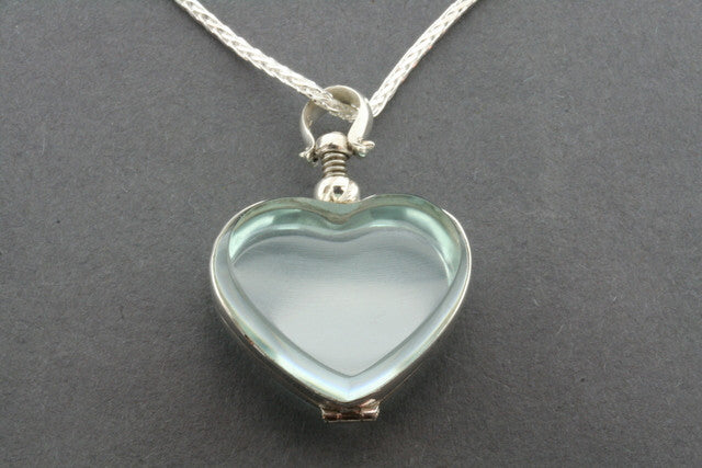 glass heart locket on 70 cm espiga chain
