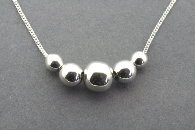 5 ball bead necklace