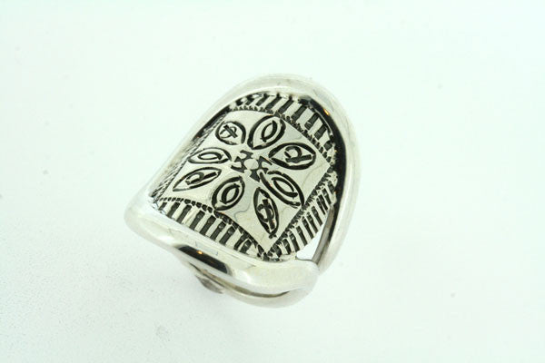 pattern & oval piping ring