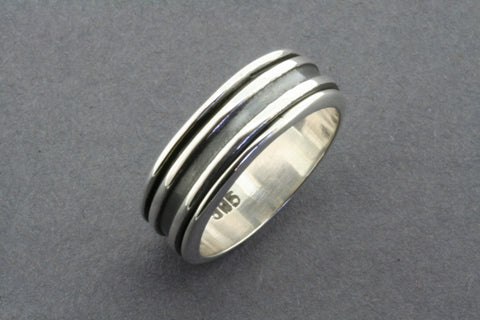Ox line spinner ring