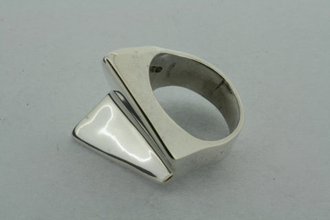 angled arrow ring