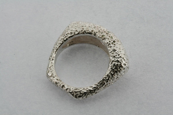 textured squared ring