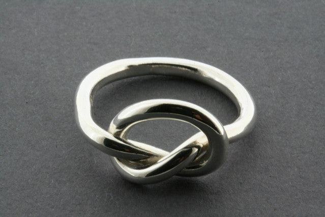 eternity heart knot ring