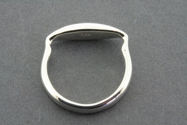 narrow horseshoe band