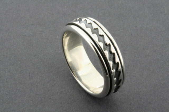 zigzag spinner ring - sterling silver