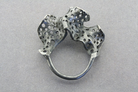 ox lace frill ring